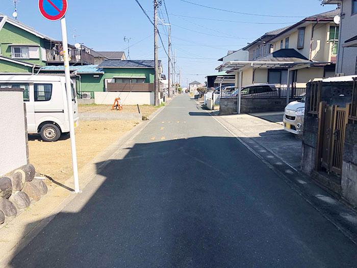 前面道路を含む現地の様子