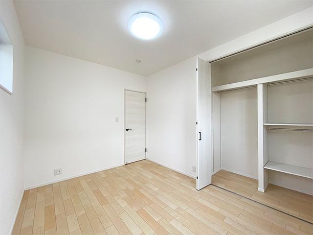 ベッドルーム<br> 子供部屋に最適な広さの6帖のベッドルームです。