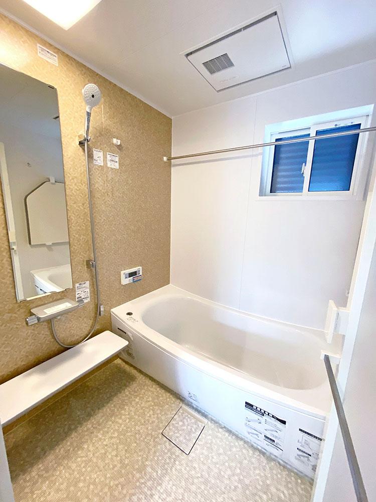 バスルーム<br> 一日の疲れを癒してくれるくつろぎのバスルームです。