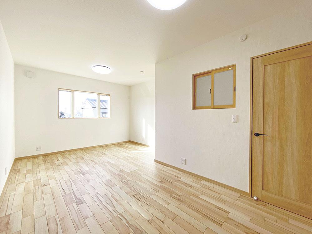ベッドルーム<br> 将来は2つの部屋として使える10.8帖の寝室をご用意しました。