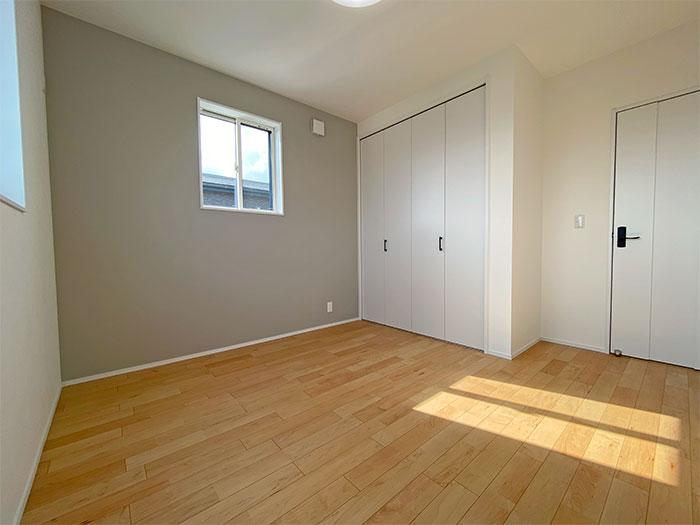 【2階ベッドルーム】6.2帖の洋室はクローゼットあり