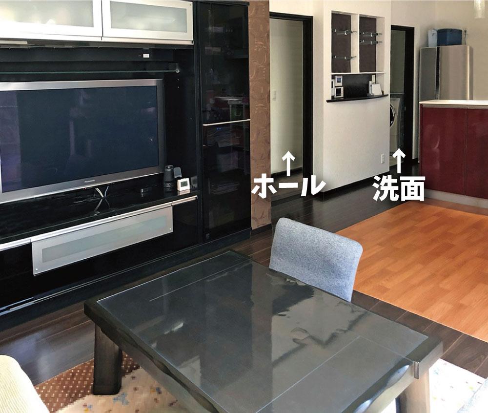 動線<br> LDKからは玄関、ホール、洗面へ向かう3つのドアがあります。