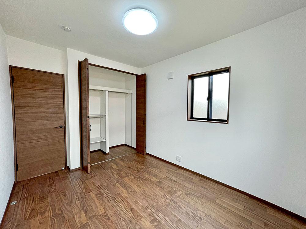 2階:5.7帖のベッドルーム