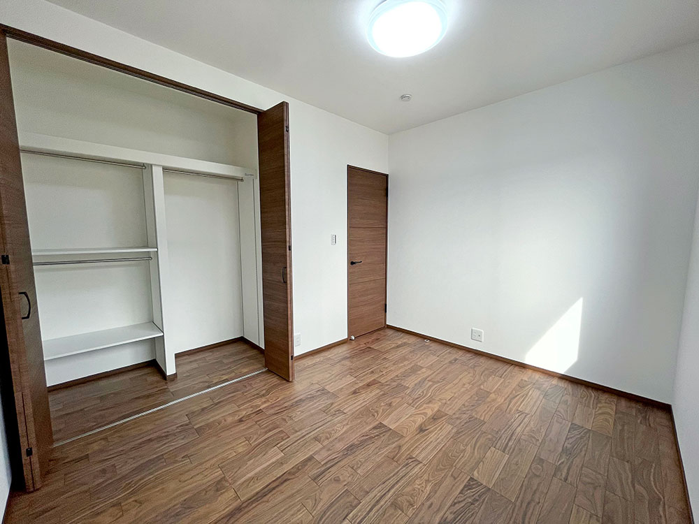 2階:5.6帖のベッドルーム