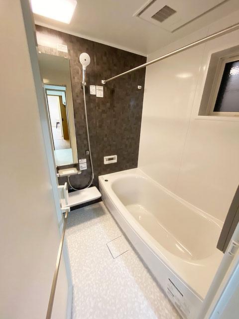 浴室<br> スタイリッシュで落ち着いた雰囲気のバスルームです。
