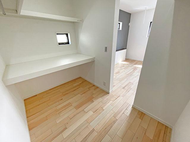寝室ウォークインCL<br> 寝室には3帖のひろびろ収納スペースがあります。お布団や季節もののお洋服もらくらく収納できます。