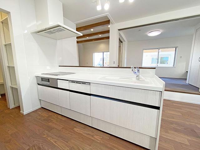 調理スペースが広いため動きやすく、親子でお料理が楽しめます♪