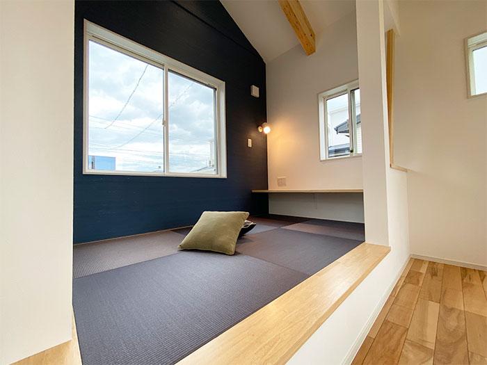 和コーナー<br> 小上がりの畳を設置しました。
