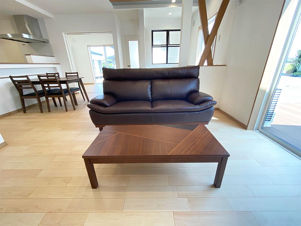 【リビング】ソファとローテーブルもこだわっています。