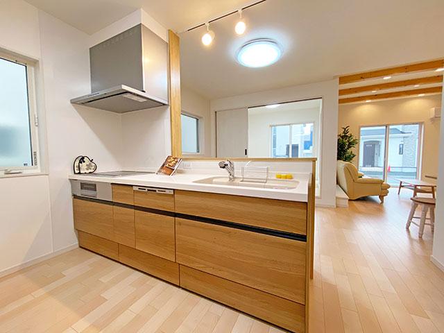 キッチン<br> 浄水器や食洗機などの付いたシステムキッチンです。