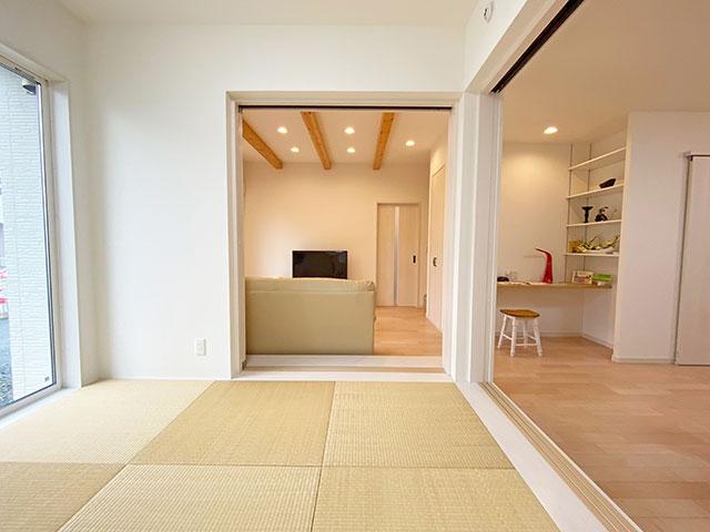 和室<br> 洗濯物を畳んだりする家事スペースとしても人気。