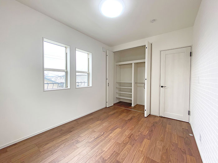 ベッドルーム<br> クローゼットも設けてありますので収納に困りません!