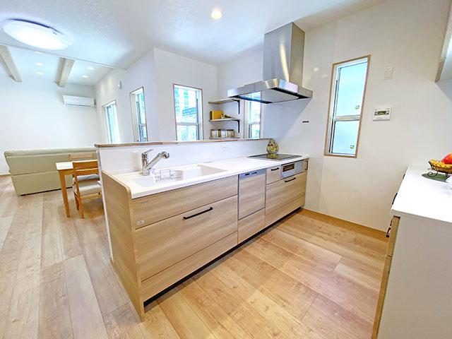 キッチン<br> 動きやすい幅のキッチンでお料理も捗りそうです!