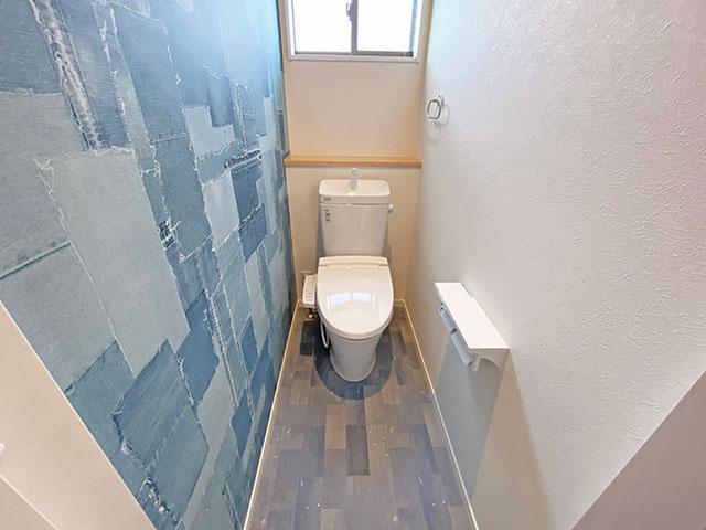 2階 LIXILのトイレ