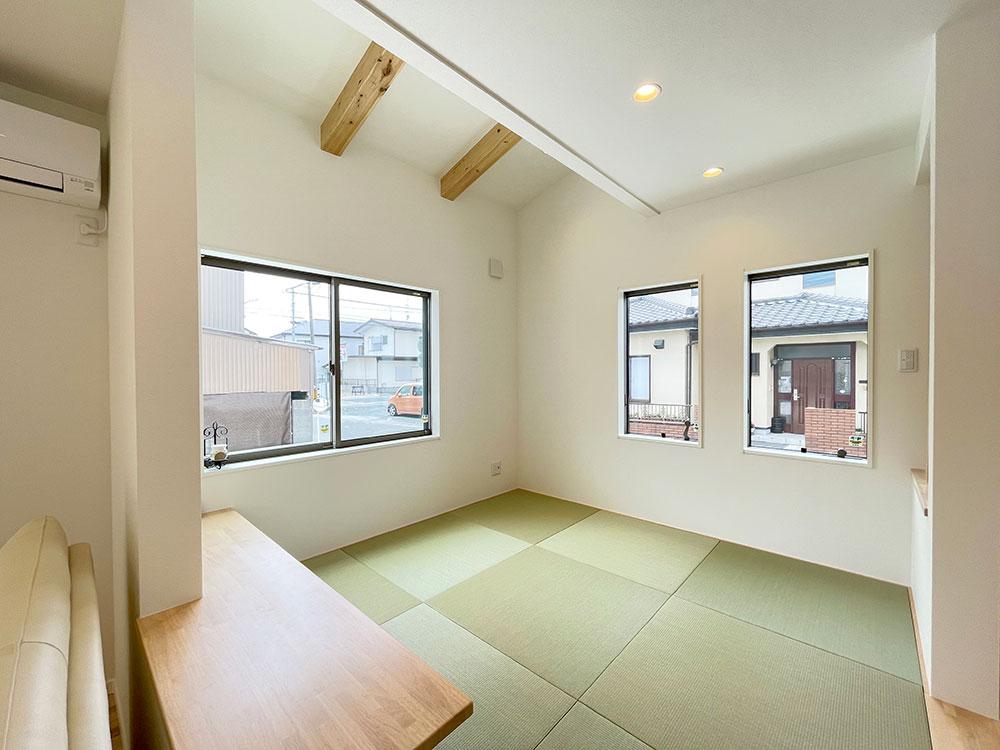 4.5帖の和空間<br> 和室の一部に折り上げ天井を採用しました。