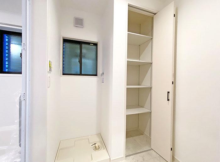 ランドリー<br> 収納スペースが充実しているのでランドリーをスッキリ綺麗に保つことができます。