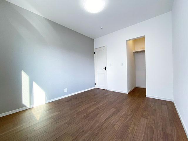 ベッドルーム<br> 子供部屋に最適なひろびろとしたお部屋がございます。